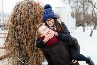 Минчане целуются и говорят олюбви. Самый красивый городской опрос ко Дню всехвлюбленных
