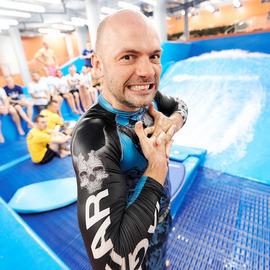 Чемпионат по серфингу «СМИ против Звезд»