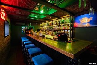 Сrazy-меню и ролевые вечеринки. На проспекте Победителей открылся концептуальный бар Mr. Jager