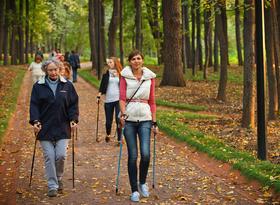 В Минске набирают группы для занятий по скандинавской ходьбе