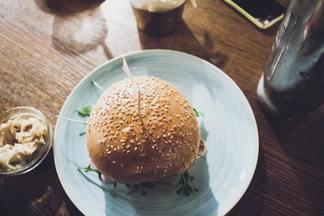 Для пикника и дачи: рецепты летних блюд от минского кафе