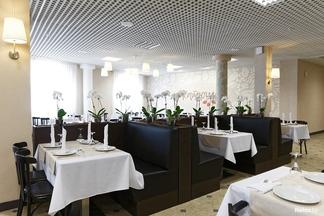На проспекте Независимости открылся русский ресторан «Катюша» на 300 посетителей