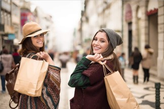 Скидки до 70%: в каких магазинах Минска снизят цены в ноябре