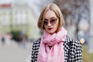 Street Fashion: разноцветные волосы и «эльфийское» колечко
