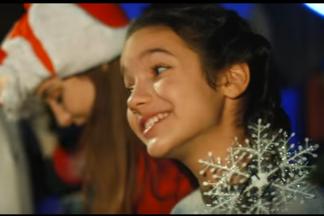 Дядя Ваня, Виталик Артист и Ян Маерс в роли Дедов Морозов: Академия детского мюзикла выпустила рождественский клип со звездами эстрады