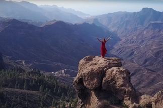 Обязательно к просмотру. «Без билета» выпустила новый клип на песню «Головою на Восток»