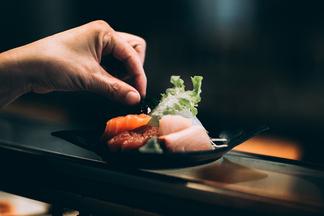 Идеальное свидание в стиле кухни Nikkei. В Ayahuasca Social Club приготовят специальный романтический ужин 14 февраля