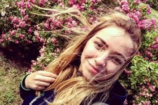 Новый тренд в Instagram: минчане фотографируются с розами в Ботаническом саду