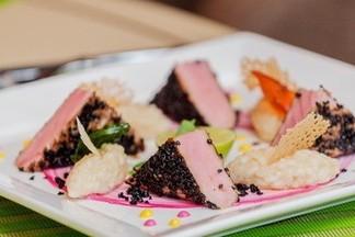 Любимые блюда шеф-повара кафе «Сад»: авторские брускетты, стейк из тунца и тирамису