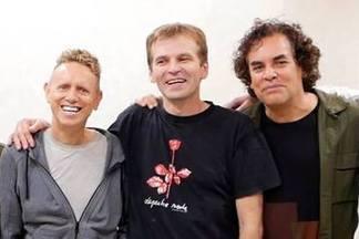 Минчанин поужинал с Depeche Mode и получил автографы на билетах с несостоявшегося концерта