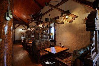 Фотофакт: в Хатежино открылось двухэтажное кафе белорусской кухни «Будзьма»