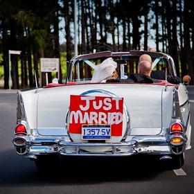 Как украсить свадебное авто: 8 идей