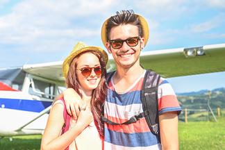 Личный самолет с пилотом для двоих: новая услуга от Navzlet.by