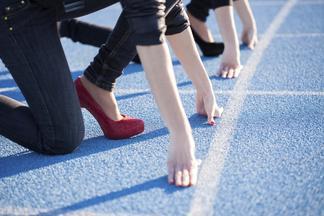 Забег на каблуках пройдет в Минске. Дистанция — 100 метров