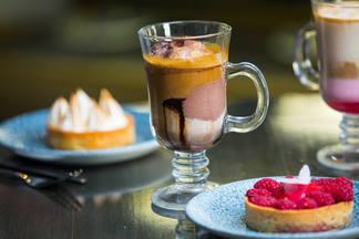 Кофе с крафтовым мороженым за 7 рублей. В «Золотом гребешке» проходит фестиваль Глясе