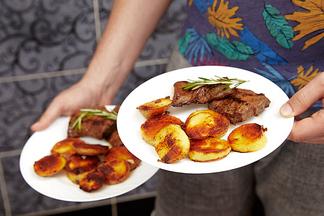 Всего за 18,74. До 18 августа медальоны из говядины от Green Chef можно купить на 25% дешевле