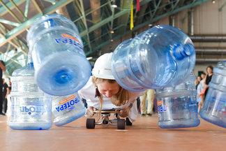 В Минске прошли соревнования по офисным видам спорта. Посмотрите, как это было