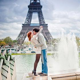«Париж за поцелуй». В Минске стартовал новый конкурс