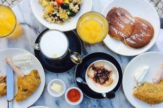 В кафе «Чайхана Баклажан» новое меню завтраков. Цены — от 4,50 рублей