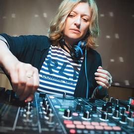 Лена Попова в Barbq terrace