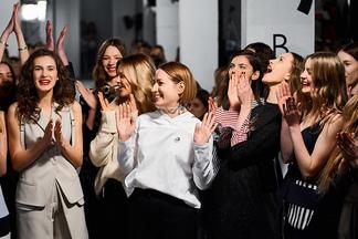 Фотофакт: дизайнер Ольга Кардаш представила свою новую модную коллекцию Kardash Cruise 2017