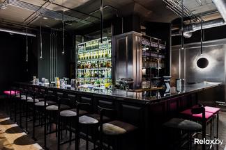 Авторские хот-доги и необычные коктейли. Сегодня на Зыбицкой открывается новый бар The Moods