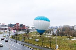 Фотофакт: как в центре Минска запускали воздушный шар