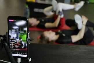 Фитнес, йога, танцы. Большая подборка онлайн-тренировок, чтобы заниматься где угодно