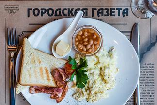 Глазунья, скрэмбл и сырники: в городском кафе 12/13 появилось меню с завтраками