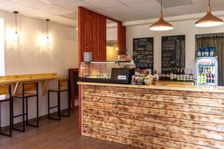 Фотофакт: Возле БГЭУ открылась кофейня с блинами за 3,5 рубля и кофе от двух рублей