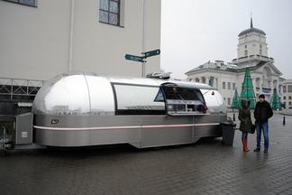 Космо-вагончик с блинами и драниками появился в Верхнем городе