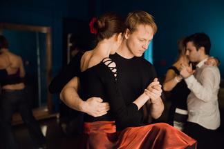 В День всех влюбленных минчан будут учить танцевать танго. Участие бесплатное