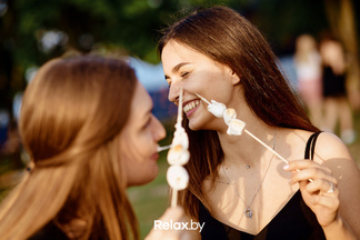 Полкилометра гирлянд и 2500 шариков мороженого — FSP X в цифрах