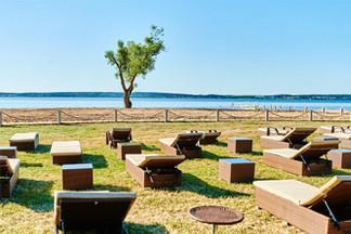 Фотофакт: под Минском открылся Beach club «Бульбашъ Пляж»