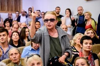 «Не трогайте нас!» Жители Осмоловки отстаивают свой микрорайон