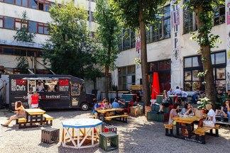 Gastrofest. Streetfood: что из себя представляет фудкорт в «Корпусе» (и чему посвятят следующий фестиваль еды)