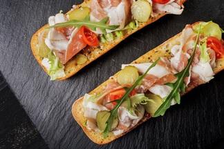 Пицца на уникальном тесте, похожем на домашний хлеб: новое меню запустили в кафе Terra Pizza