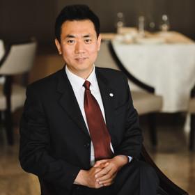Эксклюзив: директор гостиницы «Пекин» — о том, почему пустуют номера и что с этим делать