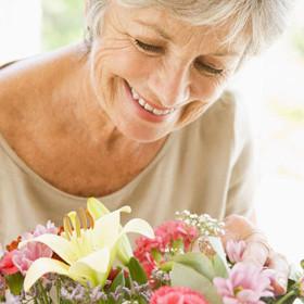Как оригинально поздравить бабушку с днем рождения?