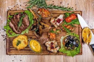 В кафе Plan B появился сет на 700 грамм мяса всего за 28 рублей