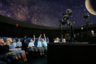 В День родного языка в планетарии покажут полнокупольные фильмы на мове