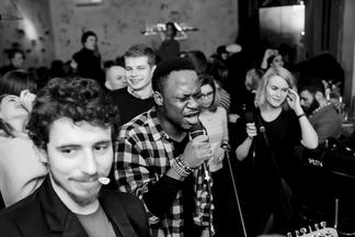 Светская хроника. Правильные вибрации и красивые люди на вечеринке VibeClub в Svobody, 4