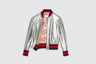 Грандиозный sale: в новом бутике-аутлете «Униформ» с брендовыми вещами распродают одежду со скидкой 90%