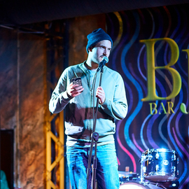 Stand-up Money-mic
