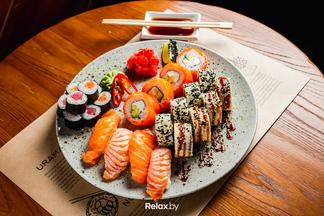 «В команде уже более 50 человек». Вместо Sushi Chef Arts возле парка Горького открылось кафе «Юджын Крабс»