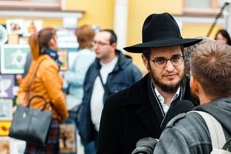 Репортаж с фестиваля еврейской культуры в Минске: «Ваша жена украла мою халу!»