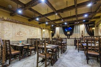 Армянская кухня, египетский стиль и стендап-шоу: второе кафе «Очаг+» открылось в Минске