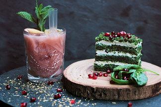 Бросай все — беги пробовать. Самые необычные десерты в заведениях Минска