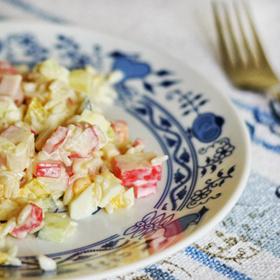 Салат из крабовых палочек – рецепты на любой вкус