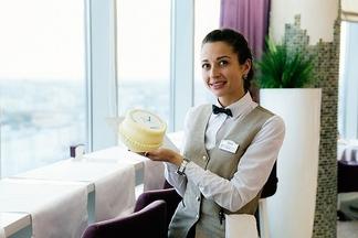 Фотофакт: как Relax.by угощал читателей тортами в собственный День рождения